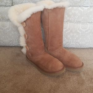 UGG Tan bailey 3 buttons boots